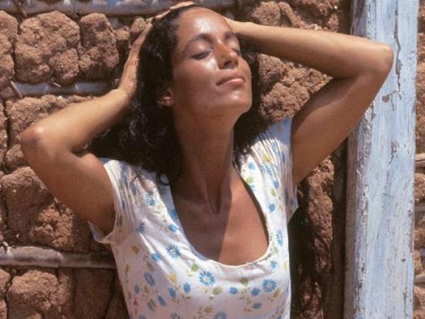 Sônia Braga, as Gabriela